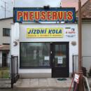 Pneuservis a pneubazar Třebeš